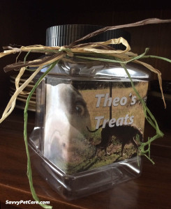 Left side of pet treat jar
